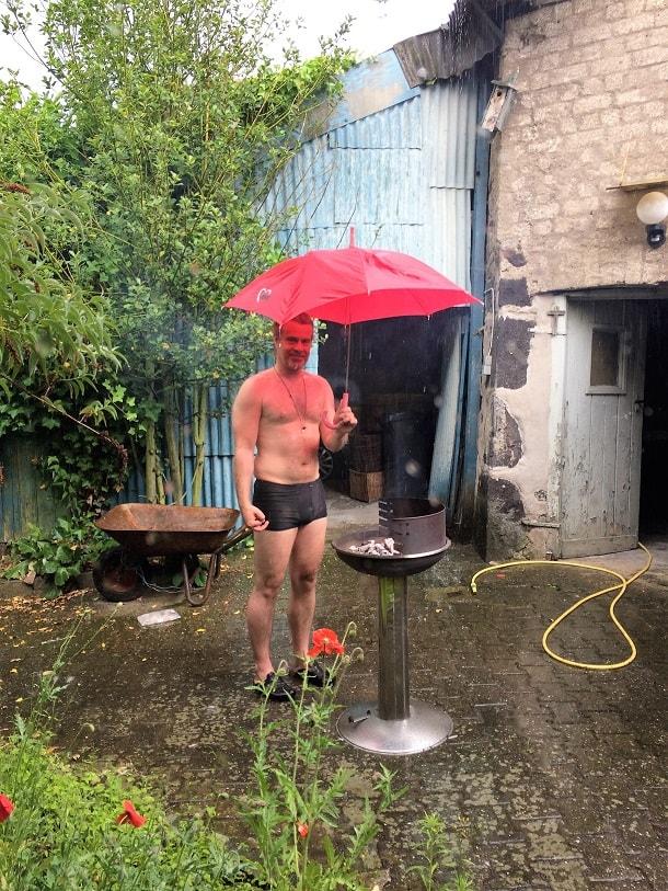 Auch in den Pausen und nach der Arbeit lässt netzkern seine Leute nicht im Regen stehen.